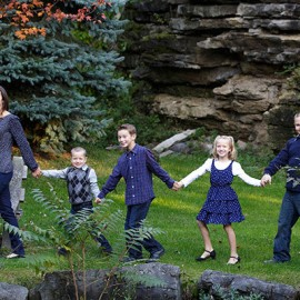 5 Reasons to update your Family Photo | Family photography Buffalo NY