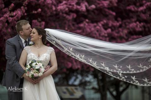 Wedding Couple Photos Niagara Square