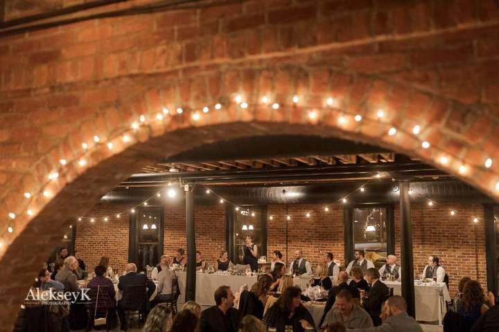 Pearl Street Grill & Brewery Wedding Photos | Speeches