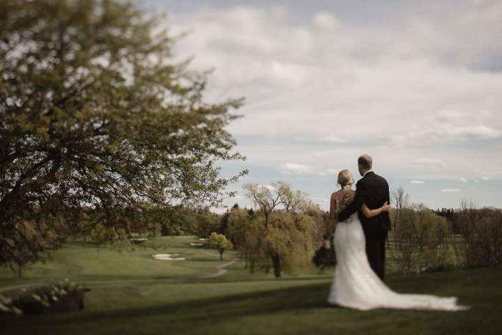 Brookfield Country Club Wedding Photos | Portrait of the Bride and Groom