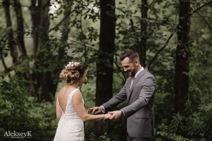 The Woods at Bear Creek Wedding Photos | first look