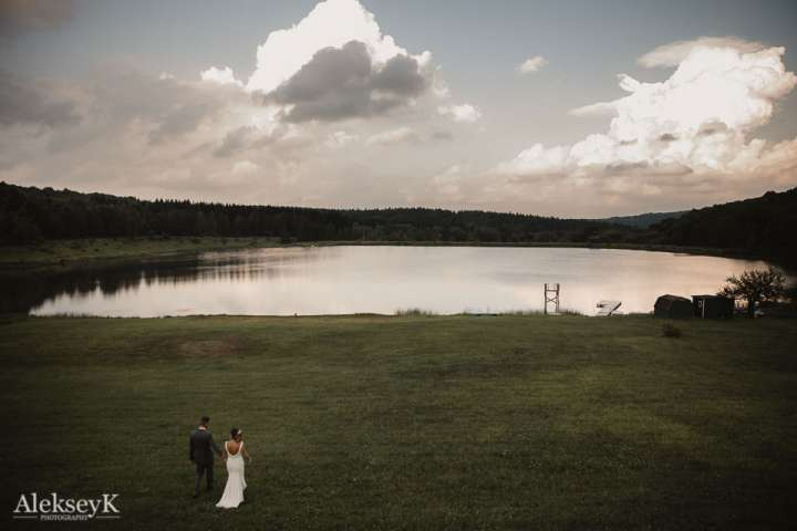 The Woods at Bear Creek Wedding Photos | photo of the couple