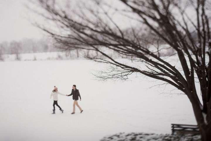 Winter Engagement session | Delaware park |Buffalo ny