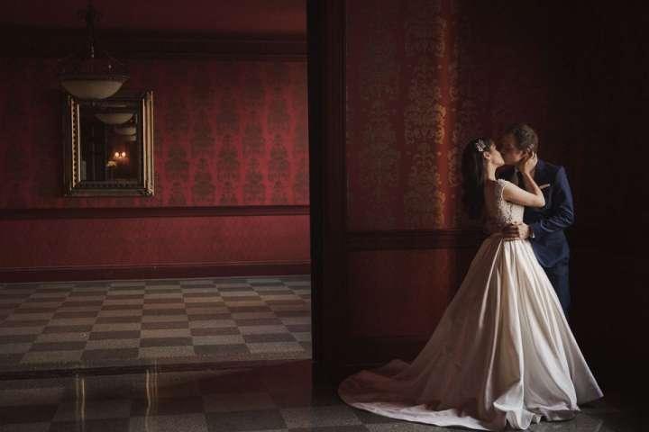 bride and groom kiss | statler city | buffalo ny
